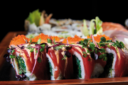 Mâncarea japoneză este în vogă acum şi în România. Am vrut să vedem ce înseamnă această gastronomie dincolo de sushi şi sashimi. Ce am aflat?