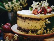 S-a şcolit puţin la Paris şi mai mult în propria bucătărie, de unde ies astăzi prăjituri şi torturi delicioase. Cum s-a ajuns de la pasiune la Dulcipass?
