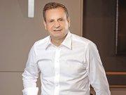 """Ufuk Tandoğan, CEO al Garanti BBVA România, despre cina ideală: """"În trecut, pentru această întrebare mi-aş fi luat timp să trec în revistă câţiva dintre autorii sau artiştii mei preferaţi, lideri care m-au inspirat sau laureaţi ai premiilor Nobel. Acum..."""""""