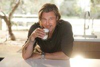 Care este cafeaua preferată a lui Brad Pitt? Cate cafele bea pe zi şi ce relaţie are el cu această băutură? După propria sa mărturisire, este un consumator de cafea «serios, profesionist, angajat