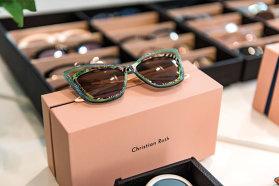 Despre ochelari de soare şi cum au devenit ei accesorii cool, cu fondatorii brandului Christian Roth