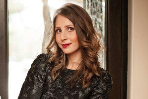 Din vorbă-n vorbă cu… Ruxandra Antochi, fondatorul brandului de modă Bluzat: despre îngheţată, Salvador Dali şi Bucureşti