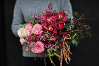 Cu o floare se face primăvară: Ce trebuie să ştii atunci când cumperi un buchet de flori? Răspund cei mai pricepuţi maeştri florari din România