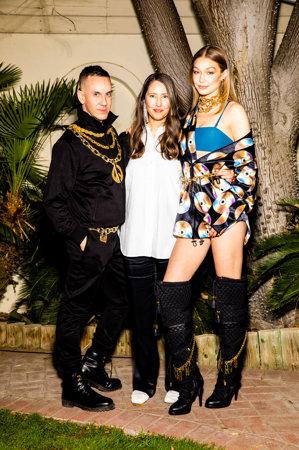 H & M anunţă o nouă colecţie de designer cu casa italiană de modă Moschino. Cum arată primele piese