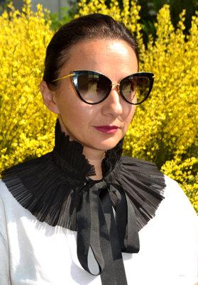 """Din vorbă-n vorbă cu Raluca Cîmpianu, OPTIblu: """"Un obiect pe care îl port întotdeauna cu mine şi care mă reprezintă sunt ochelarii de soare, fără discuţii! Indiferent de sezon, port cu mine două perechi în geantă"""""""