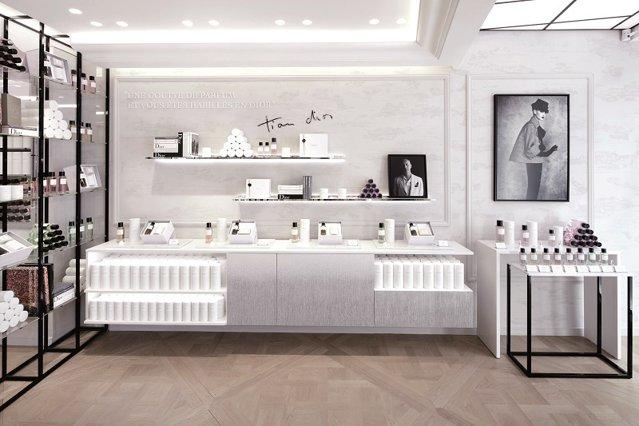 Care sunt noutăţile lunii noiembrie? Primul magazin Maison Christian Dior la Bucureşti, o nouă ediţie Gaudeamus - a 25-a - şi o ediţie de colecţie a unei băuturi cu istorie