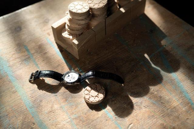 Când ceasul a bătut Ora Centenarului: O ediţie limitată de 1918 piese, sub brandul Tissot, omagiază 100 de ani de la Marea Unire de la Alba Iulia. Proiectul a fost iniţiat de un antreprenor româno-elveţian care a adus împreună elementele istoriei locale şi precizia orologeriei de top. GALERIE FOTO