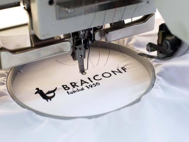 Cum a reuşit brandul românesc de cămăşi Braiconf să rămână în piaţă timp de şapte decenii, chiar şi după ce au intrat giganţi precum Zara sau H&M?