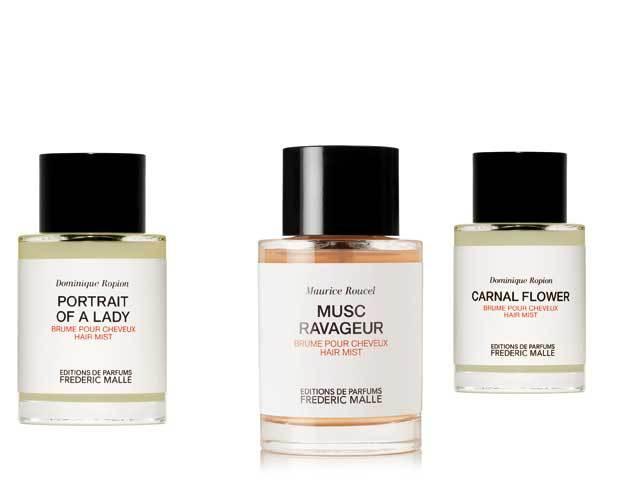 În ultimii ani, producătorii de cosmetice şi-au îmbogăţit gamele cu parfumuri speciale pentru păr. De ce însă nu am putea folosi esenţele clasice pentru corp ca să ne parfumăm podoaba capilară?
