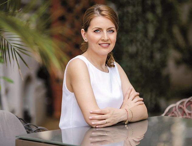 Despre stilul de manager la feminin şi viaţa de după afaceri: Din vorbă-n vorbă cu Lucia Costea, managing partner şi cofondator Secom, despre lume şi viaţă