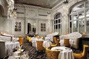 Reportaj din capitala opulenţei: cum arată Opera Regală din Versailles şi o masă la un restaurant cu două stele Michelin patronat de celebrul Gordon Ramsay