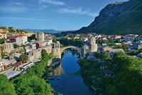 """Escapadă de weekend într-o destinaţie pentru """"curajoşii"""" care îi ghicesc potenţialul: Bosnia şi Herţegovina sau Cum descoperi o lebădă acolo unde te aştepţi să găseşti răţuşca cea urâtă"""