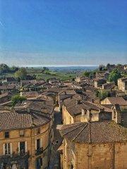 """GALERIE FOTO: Un sat din Franţa cu nici 2.000 de locuitori """"găzduieşte"""" 860 de chateau-uri care produc unele dintre cele mai bune vinuri din lume. Cum arată paradisul?"""
