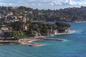 Francezii au inventat arta de a trăi frumos, iar Coasta de Azur este pentru mulţi paradisul. Cu ce i-a cucerit pe localnici, pe turişti şi pe marii artişti ai lumii? GALERIE FOTO