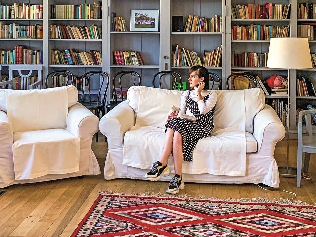 Cristina Roşca, editor-şef După Afaceri Premium: Pentru ediţia de august a revistei am mers pe cărări mai puţin bătătorite pentru a descoperi România cea virgină, cea sălbatică. Şi am găsit-o! A trebuit doar să deschidem ochii, ceea ce vă dorim şi vouă!