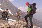 Trei dintre cei mai cunoscuţi alpinişti români ne poartă pe cărări nebătătorite prin ţară pentru a ne arăta destinaţiile lor preferate. Astăzi, Horia Colibăşanu: Creasta nordică a Făgăraşului, munţii Retezat şi Cheile Nerei sunt locuri deosebite, comparabile cu destinaţii din Europa, cu Alpii