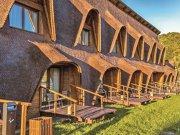 Nu departe de Braşov, Cuibul de lemn spune o poveste despre echilibrul cu natura şi este o combinaţie armonioasă de ospitalitate veche şi facilităţi moderne
