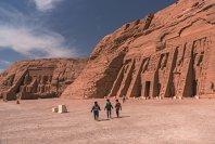 REPORTAJ. Cum arată Egiptul în pandemie, dincolo de staţiunile de la malul mării: înainte nu aveai loc să arunci un ac sau să faci o fotografie, acum este aproape pustiu. E momentul potrivit să ai monumente vechi de mii de ani doar pentru tine. GALERIE FOTO