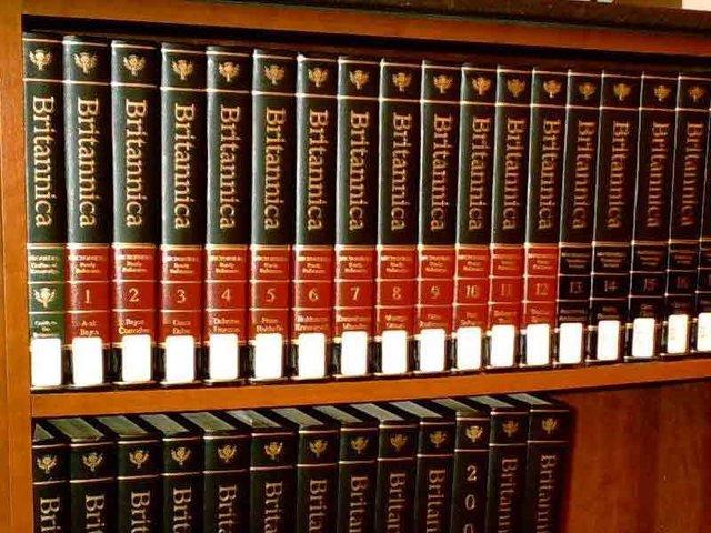 Enciclopedia Britannica renunţă la ediţiile tipărite şi continuă doar online