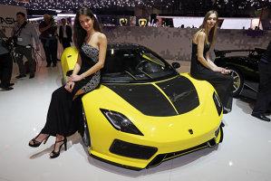 În culisele celui mai exclusivist salon auto: Cum pot sta capodopere de milioane de euro lângă constructori de care puţini au auzit? Galerie Foto