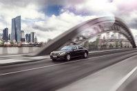 La volanul celor mai impresionante limuzine: Cum arată cel mai nou Maybach, maşina preferată de şefi de stat sau vedete rock care poate face faţă gloanţelor sau exploziilor