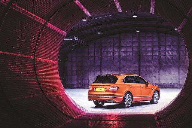A fost nevoie de doar un kilometru pe oră în plus faţă de vechiul record pentru ca Bentayga să devină cel mai rapid SUV din lume. Vă invităm să-l cunoaşteţi, atât la interior, cât şi la exterior!