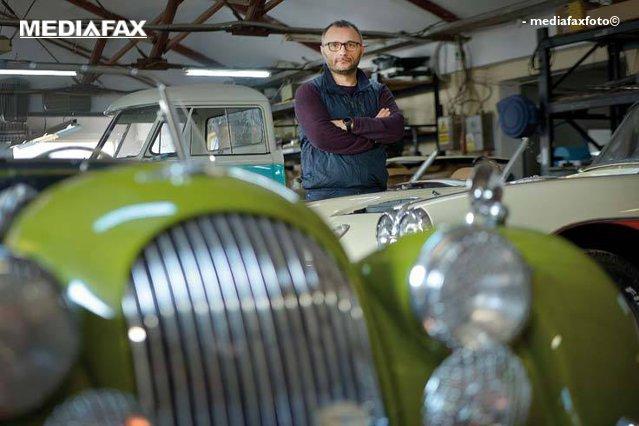 The car whisperer: Pasionat de motosport şi de automobile clasice, Cătălin Cedric Ghigea este printre foarte puţinii specialişti care au ales să se dedice maşinilor de epocă şi să le ofere şansa la o a doua viaţă. Restaurarea unei astfel de piese poate dura şi un an jumătate