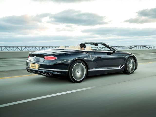 Cea de-a treia generaţie a Continental GT de la Bentley promite să revoluţioneze încă o dată industria auto, la două decenii după lansarea primului model. GALERIE FOTO