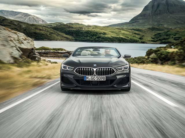 Seria 8 a fost automobilul lansat de BMW la finalul anilor '80 cu misiunea clară de a oferi cea mai nouă tehnologie, cel mai sportiv design şi o imagine unică. Şi a reuşit. Acum, Seria 8 a revenit în prim-plan
