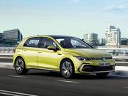 Volkswagen Golf este automobilul emblematic pentru Europa, cea mai bine vândută maşină pe Bătrânul Continent. Ajuns la cea de-a opta generaţie, Golf 8 reprezintă un adevărat salt cuantic pentru o maşină care de la model la model venea cu modificări mai puţin revoluţionare în raport cu concurenţa