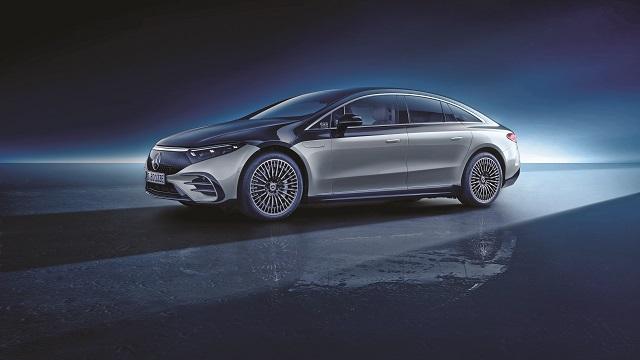 Tehnologia vine să schimbe pentru totdeauna felul în care privim automobilul, iar EQS de la Mercedes-Benz promite cel mai mare salt de până acum. De ce?