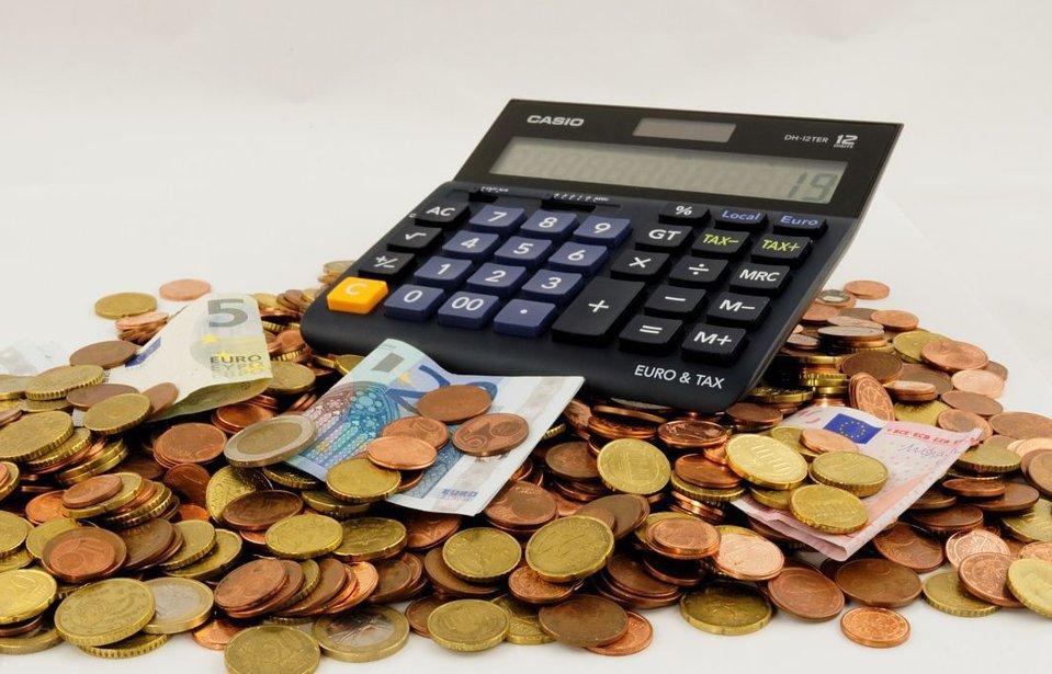În ce monedă este mai bine să iei creditul pentru casă: lei sau euro?