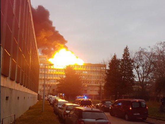 Imaginea articolului Universitatea din Lyon: Explozie puternică în campus | Primele IMAGINI