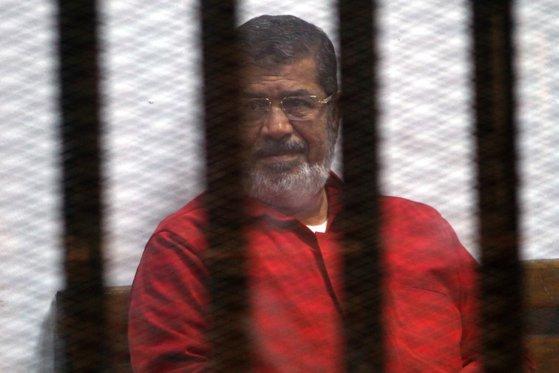 Imaginea articolului Fostul preşedinte egiptean Mohamed Morsi a murit în instanţă