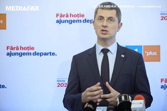 Imaginea articolului Solicitare între candidaţii la preşedinţie. Barna îi cere lui Iohannis să se implice în nominalizarea unui nou comisar european