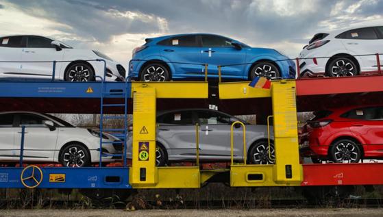 Imaginea articolului Primele maşini Ford Puma asamblate la Craiova pleacă spre Europa, de Ziua Naţională. Anunţul companiei. FOTO