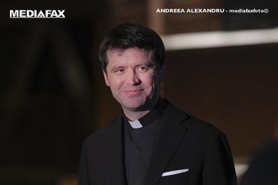 """Imaginea articolului """"Ochii pe mine!"""", cu Vlad Craioveanu - invitaţi la Aleph News: preotul catolic Francisc Doboş şi Maria Desmirean, co-fondator Biodeck"""