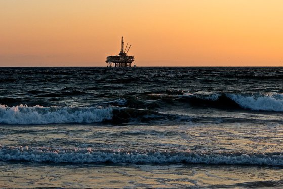 Imaginea articolului Ministrul Muncii este nemulţumit de legea offshore: Varianta lui Dragnea era mai bună