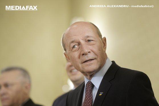 Imaginea articolului Băsescu, despre motivul pentru care Dăncilă, Vâlcov şi Dragnea preferă parteneriat public-privat: Nu e variantă mai eficientă ca o ţară să fie jefuită legal