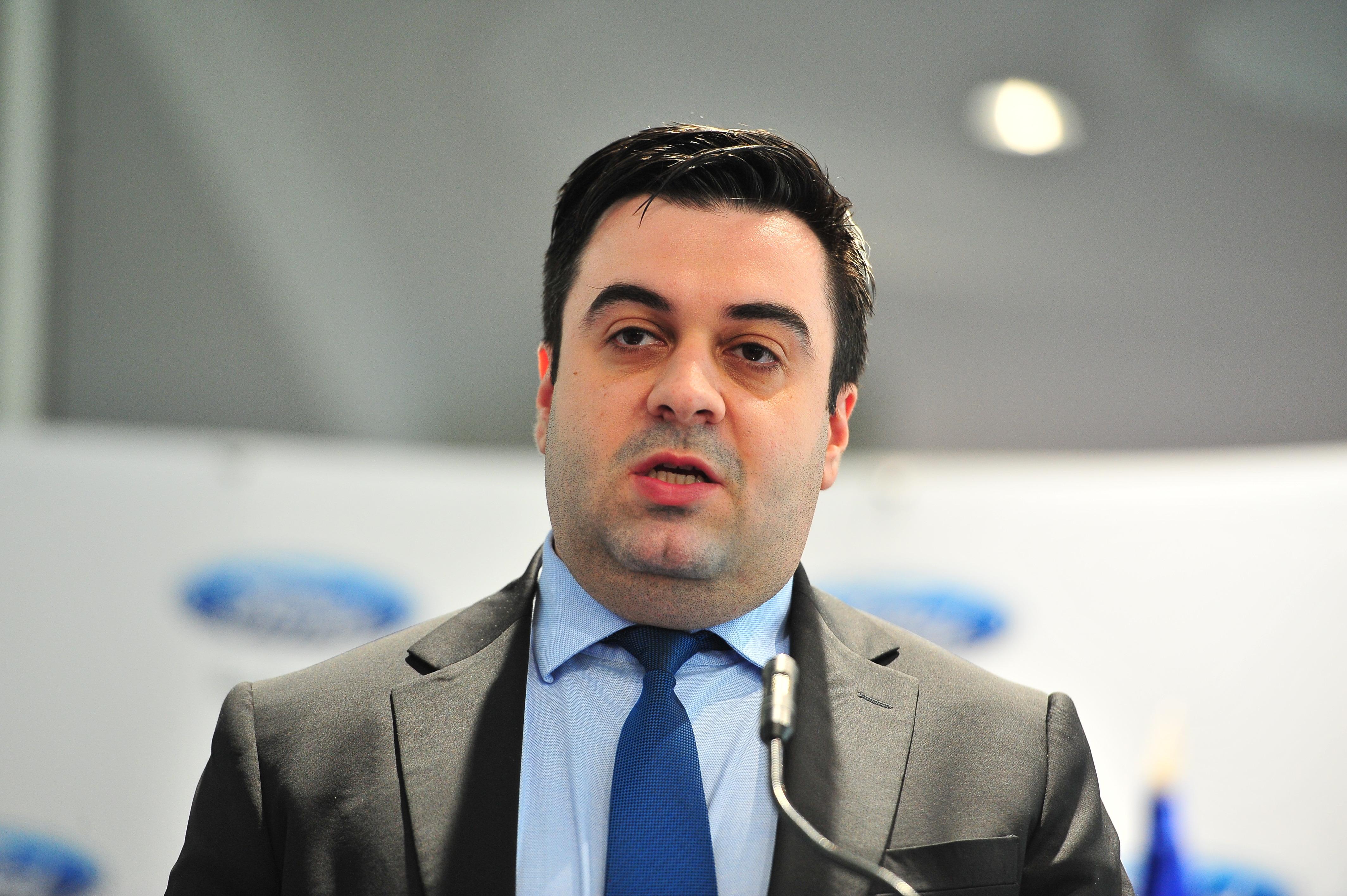 Ministrul Transporturilor, în vizită la Galaţi. Cuc le promite locuitorilor aeroport, drum expres şi centură ocolitoare