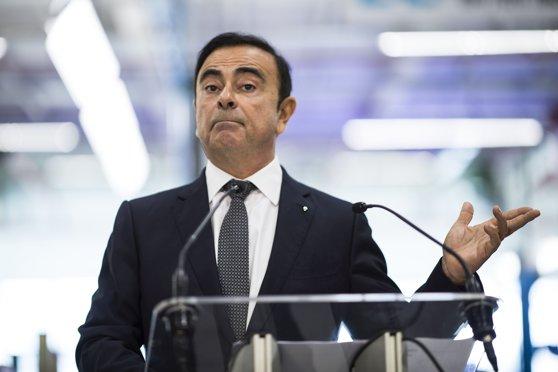 Imaginea articolului Carlos Ghosn dă în judecată Nissan şi Mitsubishi, după ce companiile l-au demis din funcţia de preşedinte