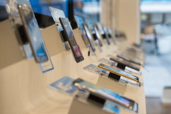 Imaginea articolului Schimbare majoră de la Apple. Gigantul american va furniza, în premieră, piese magazinelor de reparaţii independente