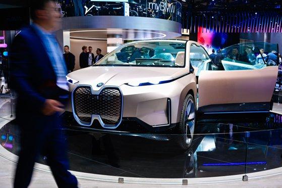 Imaginea articolului Salonul AUTO de la Frankfurt: BMW, Audi, Porsche şi Volkswagen şi-au prezentat cele mai noi modele | FOTO, VIDEO