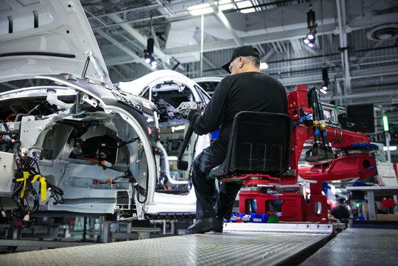 Industria auto germană va pierde o zecime din locurile de muncă şi aşteaptă sprijinul statului