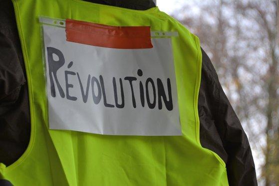 Imaginea articolului Guvernul francez a adoptat reforma pensiilor, sindicatele ameninţă