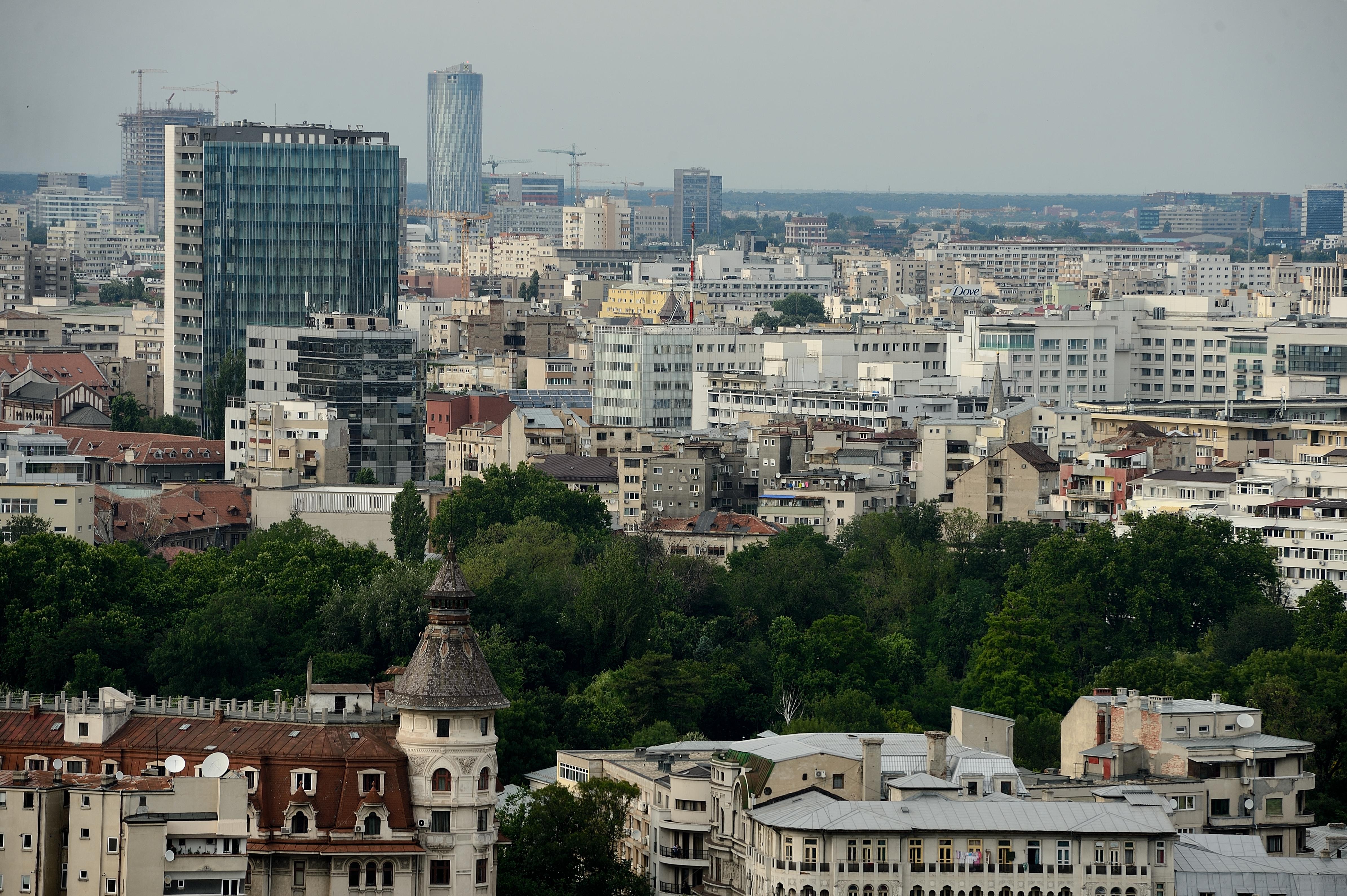 Economii pentru casă nouă. Preţul unui apartament în Bucureşti, calculat în salarii medii