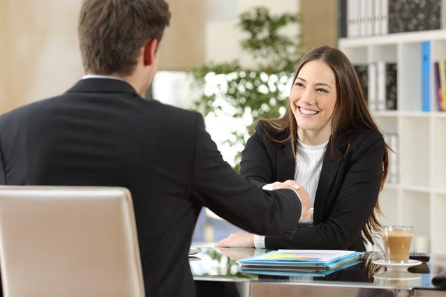 STUDIU. Unul din doi angajaţi au început să-şi caute un nou loc de muncă în ultimele 12 luni|EpicNews