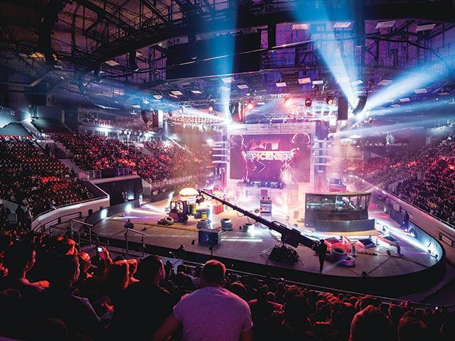 Bucureştiul organizează Campionatul mondial de jocuri video. Câţi spectatori sunt aşteptaţi pe Naţional Arena |EpicNews