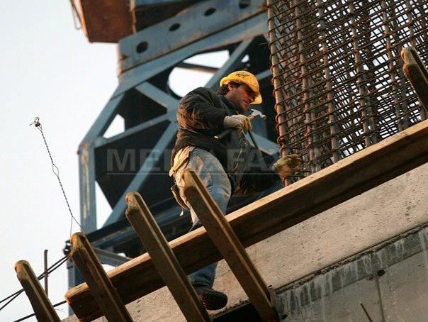INS: Managerii prognozează o creştere accentuată a preţurilor în construcţii şi comerţ