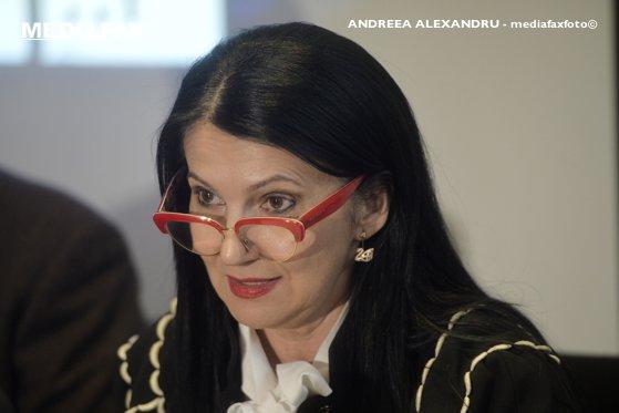 Imaginea articolului Ministrul Sorina Pintea, către Klaus Iohannis: Să nu sacrificăm vieţi pentru orgolii